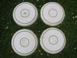 "FOUR 4 DENBY LANGLEY ENGLAND ""MINSTREL"" DINNER PLATES London Ontario image 3"