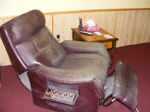 Recliner with massager Kawartha Lakes Peterborough Area image 3