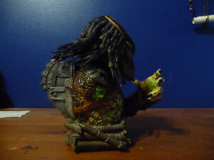 Predator Defeated Limited  Bust West Island Greater Montréal image 4