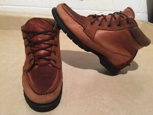 Women's Timberland Gore-TEX Waterproof Leather Shoes Size 7.5 London Ontario image 1