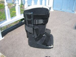 AIR WALKER BOOT CAST FOR SALE