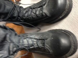 brand new gore tex work boots