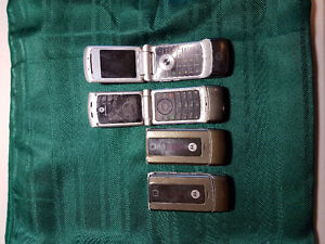 4 Motorola Razor Cell Phones