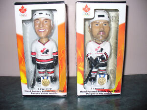 2002 CANADA CUP HOCKEY BOBBLE HEAD DOLL (collectible card)