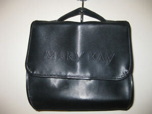 * NEW: Mary Kay Travel / Cosmetics Roll Bag