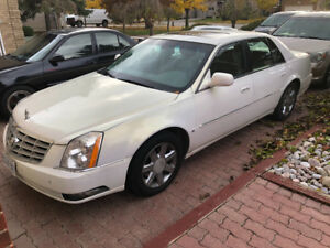 Amazing 2006 Cadillac mint Pearl white Low KM Safety & Etest