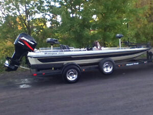 Super aubaine Bassboat Ranger- moteur 2001Mercury Optimax 150F