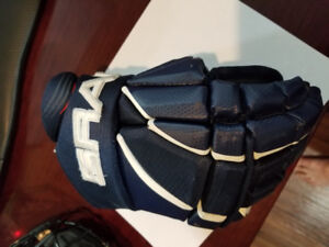 Kids Blue Helmet and Gloves - Changed to Black Team this Year.