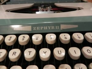 Smith corona zephyr II portable typewriter