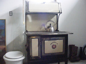 OLD WOOD BURNING COOK STOVE