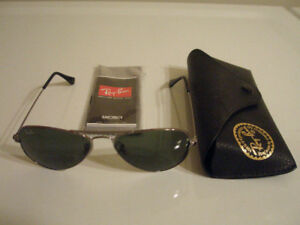 Ray-Ban Luxottica Ladies Aviator Classic Sunglasses Made Italy