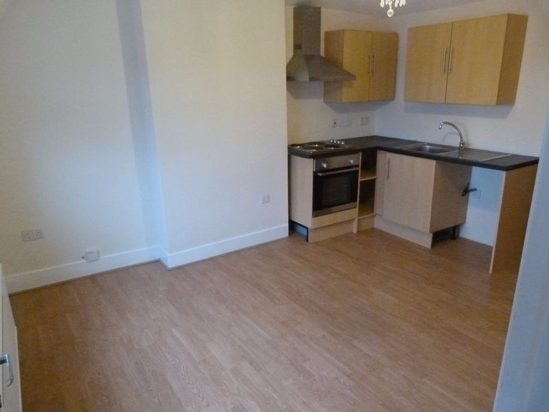 1 Bedroom flat to let in Sandown, Geat Location - No dss **AVAILABLE FROM 14 JULY**