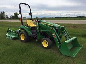 John Deere 1023E Tractor  Loader