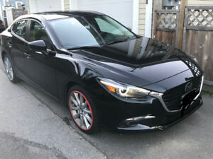 2017 Mazda3 GT with prem/tech package  370$