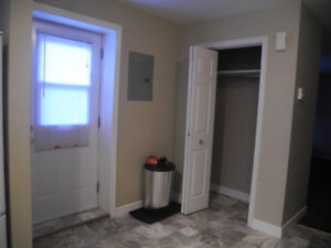 Apartment available in Airport Heights