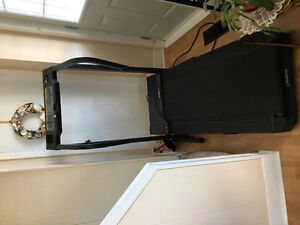WESLO candence DX10 Treadmill
