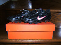 Souliers de Soccer NIKE / Soccer shoes Laval / North Shore Greater Montréal Preview