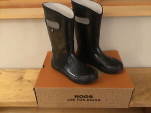 Bogs rubber boots/ waterproof boots Size 2