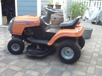 Husqvarna LT-1238 Ride-on Lawnmower