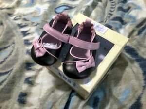 BRAND NEW Robeez shoes 3-6 months