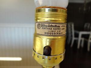 Vintage 1960's Hobnail Milk Glass Lamp Base - Works well Kitchener / Waterloo Kitchener Area image 7