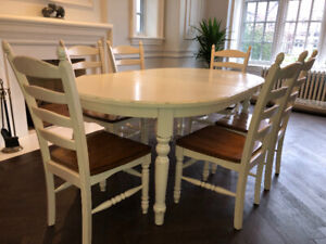 Pottery Barn Dining or Kitchen Table and Chairs