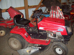 Wanted : old lawn mowers, riding mowers, tillers, snowblowers ec