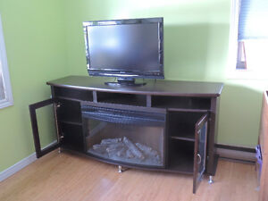 Nearly-NEW TV Stand / Fireplace