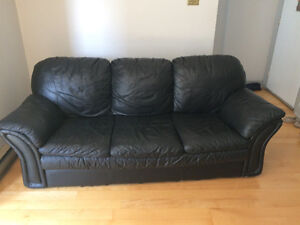 BLACK LEATHER COUCH 3 SEATER