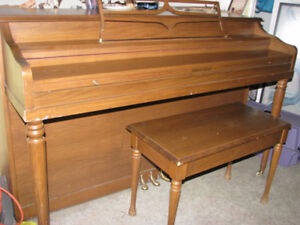 Apartment size (spinet) piano - you pick up