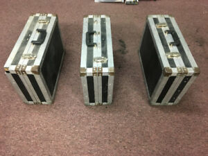 3 USED SMALL ROAD CASE FOR SALE VERY CHEAP!!!!!