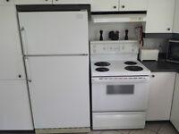 Cusinière et réfrigérateur