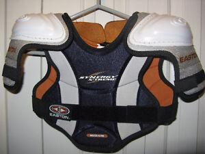 Easton Shoulder Pads - Youth Medium - Freshly washed! London Ontario image 1