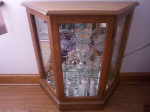 Pulaski Illuminated Curio Cabinet with Collectable Contents