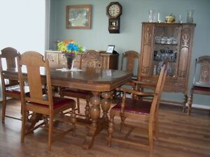 Oak dining room suite