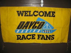 Dayco Race Fans Sign