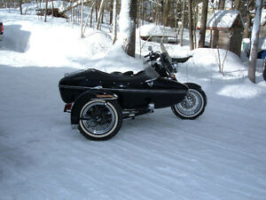 Harley Davidson FXWG with sidecar