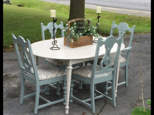 French Country meets Modern Farmhouse Dining Table and Chairs