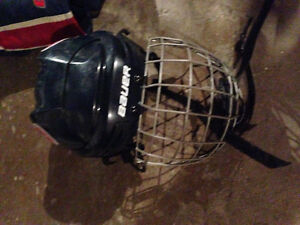 Selling clothes lithe shirt hockey equipment and ceiling fans. Stratford Kitchener Area image 8