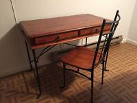 Bureau/coiffeuse en bois et fer forgé et chaise