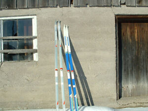 2 PAIR X COUNTRY SKIS,Like New,Bags included