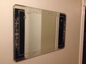Attractive Antique Mirror with Patterned Border