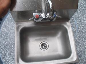 """Évier de main acier inoxydable  17 po / Hand Sink s/s 17"""""""