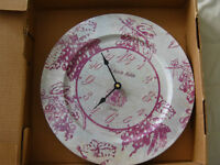 Le Petit Bistro restaurant antique plate clock replica