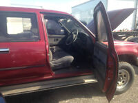 1996 DIESEL HILUX RIGHT HAND DRIVE CLEAN TRUCK