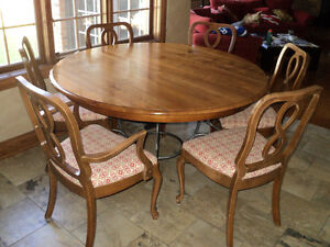 """Ethan Allen Maison Brittany 56"""" Round Dining Table and 6 Chairs"""