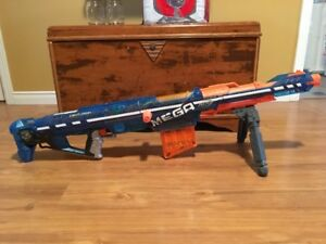 10 Nerf Guns at different prices