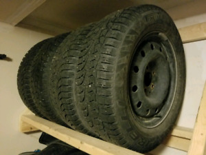 215/65/16 Pirelli Carving Edge winter tires (5x114 wheels)