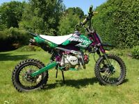 Cw 140cc pit bike, lots of extras.