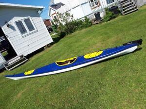 Prix révisé - Kayak de mer Azul à vendre